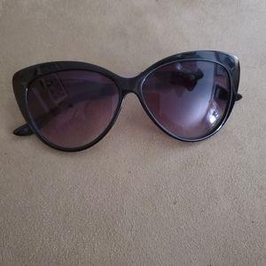Cat style sunglasses